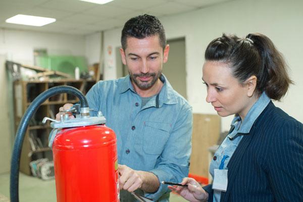 Symbolbild: Unterweisung in Brandschutz